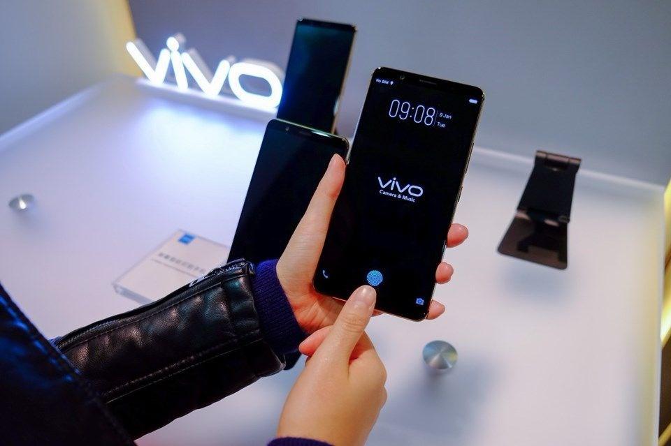 Vivo X30 Ön Panel Sızdırıldı! Çentik Hikayesi Devam Ediyor!