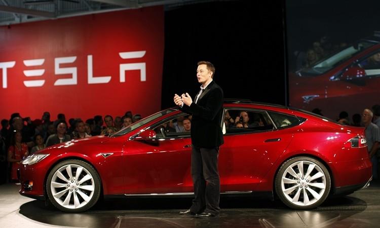 Tesla Model S ile 1.000.000 kilometre yaptı