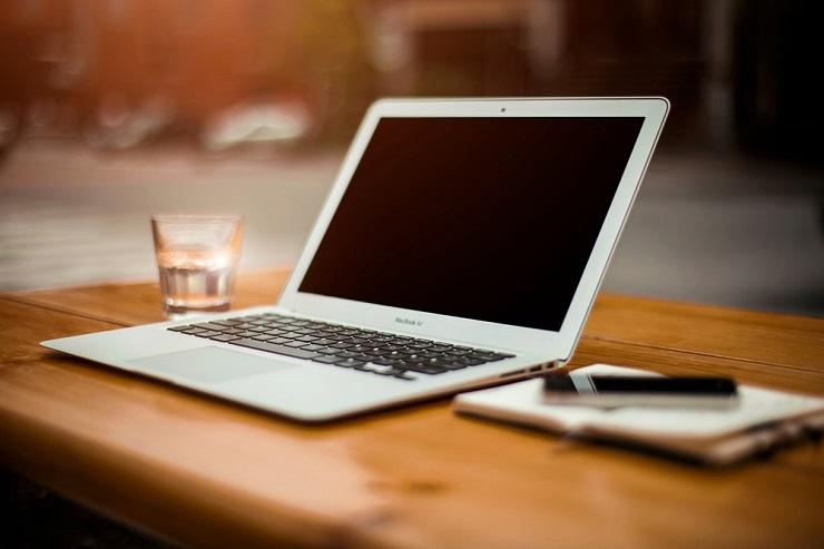İddia: Apple Ucuz MacBook Air Yapıyor!