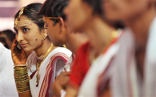 Hindistan mobil pazarında dengeler öyle bir değişti ki! Yaşasın yeni kral!!!