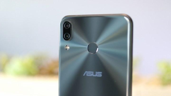 Asus Zenfone 5 kamera puanı açıklandı! Zenfone 5 sınıfı geçti mi?