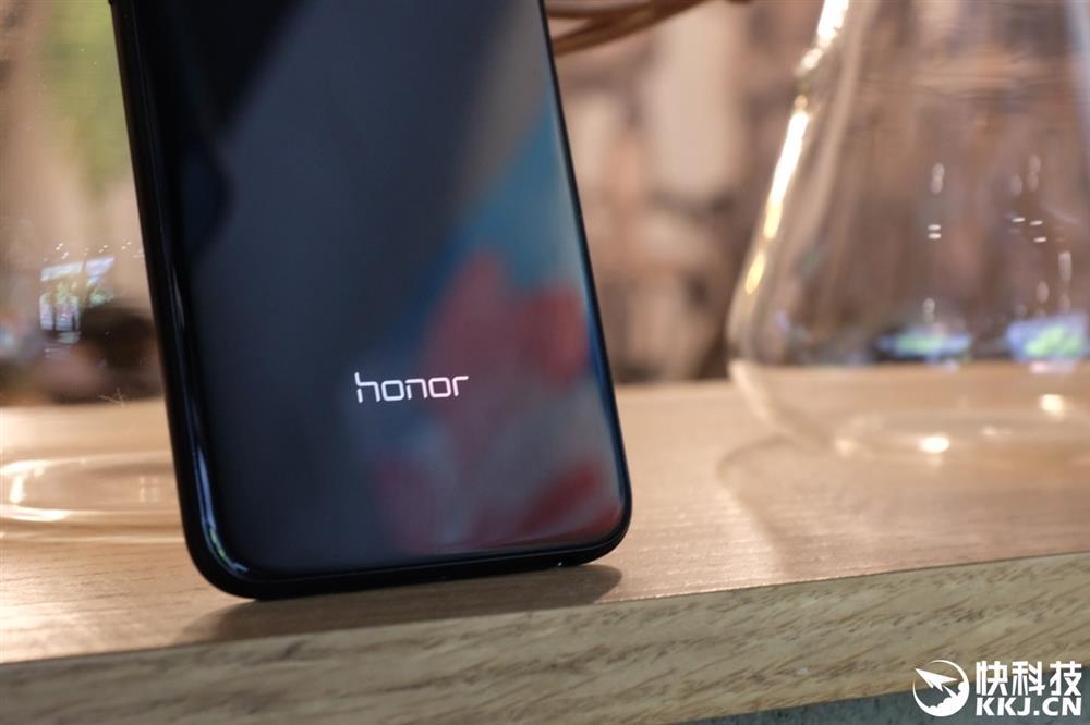 Honor 9i'ye Daha Yakından Bakalım!!