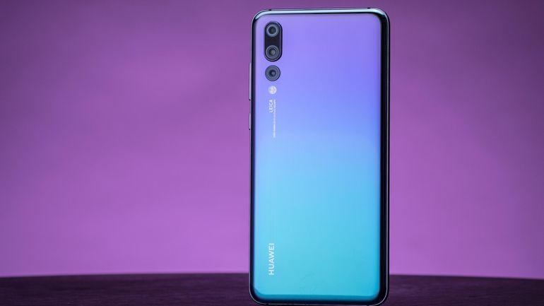 2018'in En İyi Akıllı Telefonu Huawei P20 Pro seçildi! İyi de 2018 daha bitmedi!