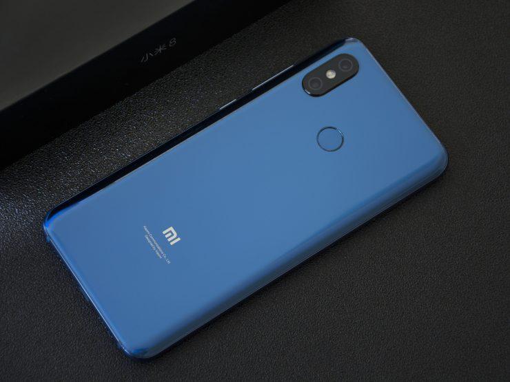 Xiaomi Mi 8 indirim aldı! Artık sudan bile ucuz…