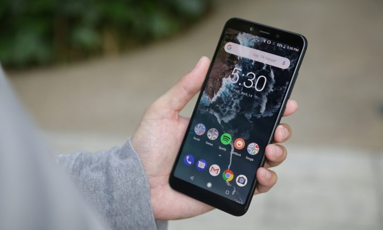Xiaomi Mi A2 duvar kağıtları ve zil seslerini indirin