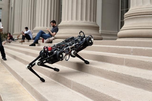 MIT Cheetah 3 robotu yeni özellikleri ile artık daha korkutucu!