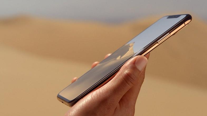 iPhone XS Max ekranı tanıdık bir sorunla karşı karşıya!
