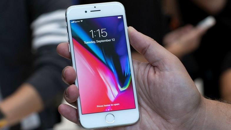 Apple iPhone 8 için ücretsiz tamir programı başlattı