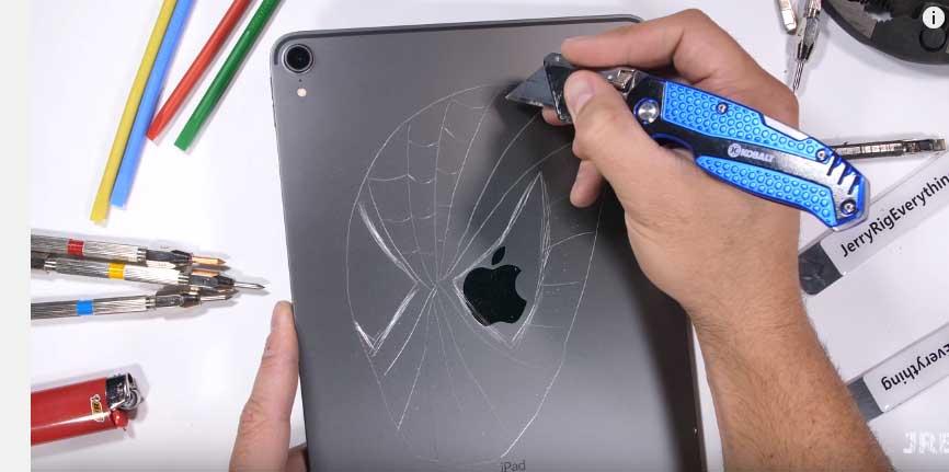 iPad Pro ne kadar sağlam? Jerry yine bizim için kırdı döktü!