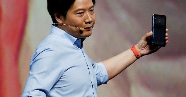 """Lei Jun Xiaomi Mi 8 en uygun amiral gemisi dedi! """"Uygun"""" derken?"""