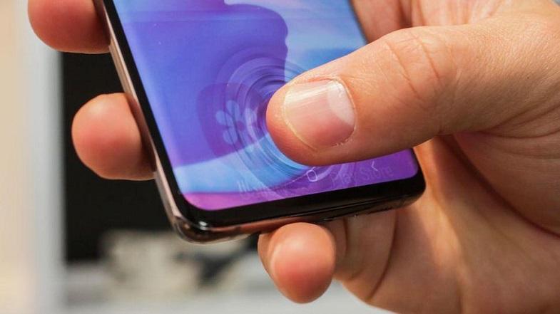 Galaxy S10 modellerde parmak izi /ekran koruyucu sorunu halloldu