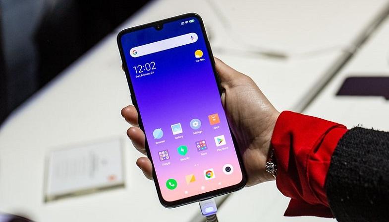 Xiaomi Mi 9 (ithalatçı garantili) Türkiye'de satışa sunuldu! Fiyat hala yüksek