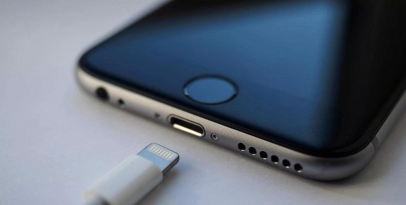 """Apple """"inovasyonda bende varım"""" diyor! Yoksa o kablosuz şarj mı?"""