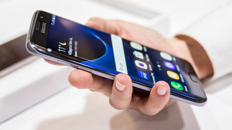 Galaxy S7 edge efsane olma yolunda! Bir güncelleme daha!