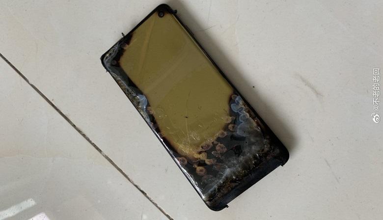 İddia: Samsung Galaxy S10 yandı! Şarj olurken bu hale nasıl gelir?
