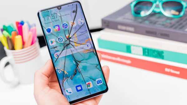 Huawei ekran kırılma garantisini 1 yıla çıkardı! Yürü be Huawei