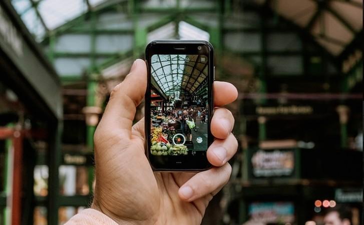 Dünyanın en küçük Android telefonu Palm 3.3 satışa sunuldu!