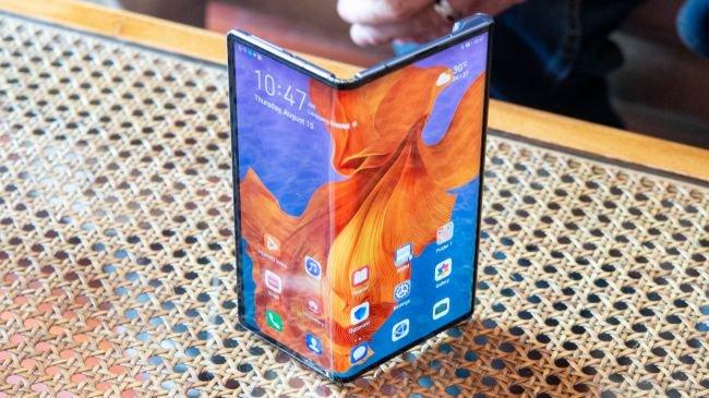 Huawei Mate X beklenenden 1.000 dolar daha pahalı oldu!