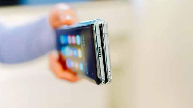 Yenilenmiş Samsung Galaxy Fold hangi yenilikler ile geliyor?