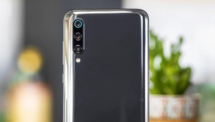 Xiaomi Mi 9 kamerası yeniden değerlendirildi! DxOMark puanı değişti mi?
