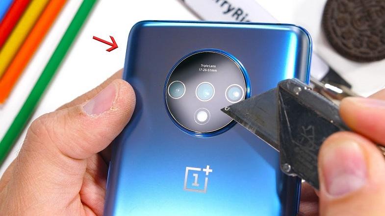OnePlus 7T işkence testinde! Telefon ne kadar dayanıklı?