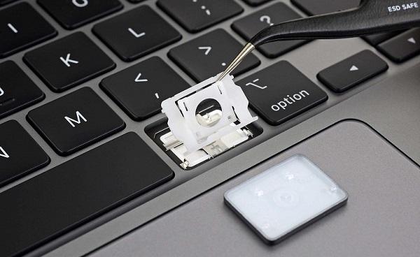 16 inç Apple MacBook Pro klavye tarafında U dönüşü yaptı