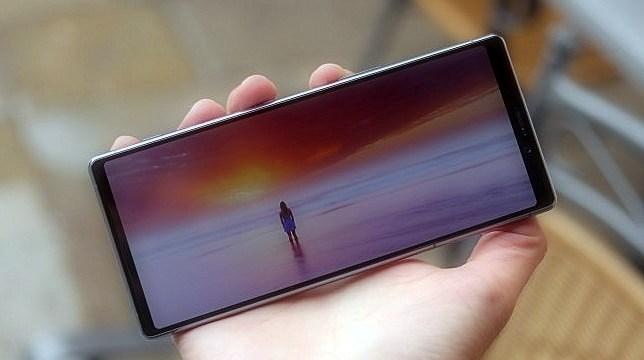 Sony Xperia 3 ilk kez karşınızda! Bakalım tanıdık gelecek mi?
