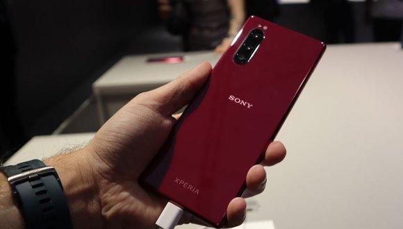 Sony sonunda kalıpların dışına çıkacak! Yeni Xperia nasıl olacak?