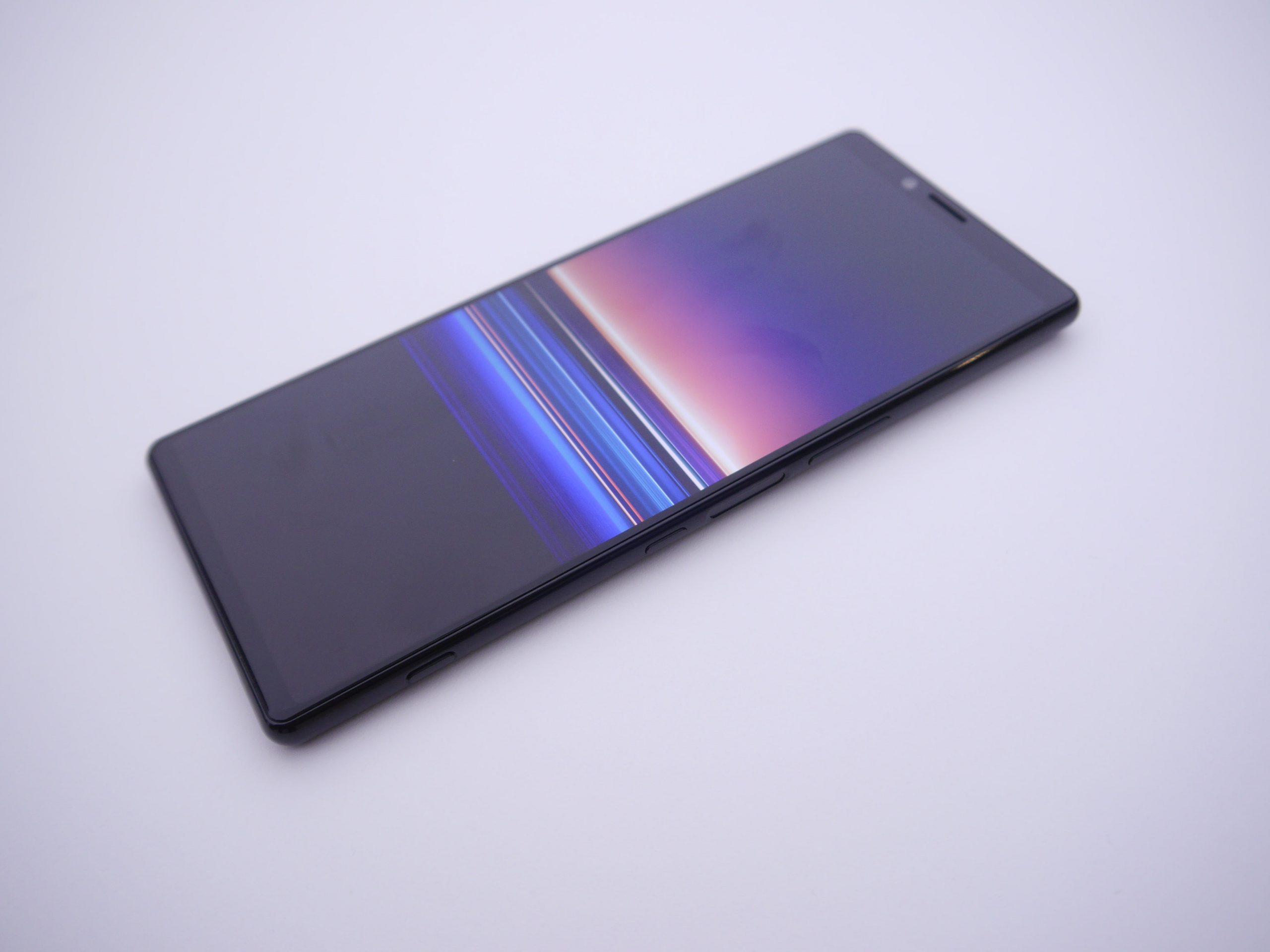 xperia-2-ekrani-ile-rakiplerine-goz-dagi-verecek