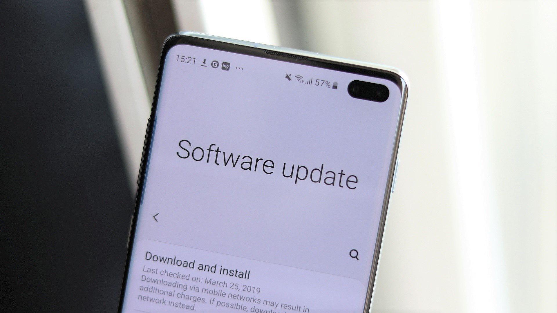 Galaxy S10 için Mart ayı güncellemesi! Samsung güncelleme konusunda şaşırtmaya devam ediyor!