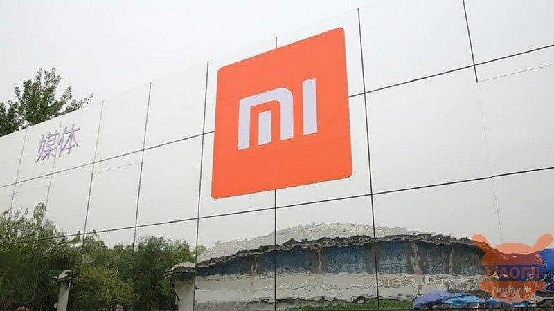 Xiaomi, Hindistan'da bulunan cihazlarına zam yaptı!! 1 Nisan şakası mı yoksa ?
